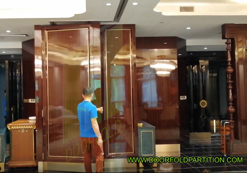 Doorfold Movable Interior Sliding Partition Wall Restaurant VIP Room Divider Supplier