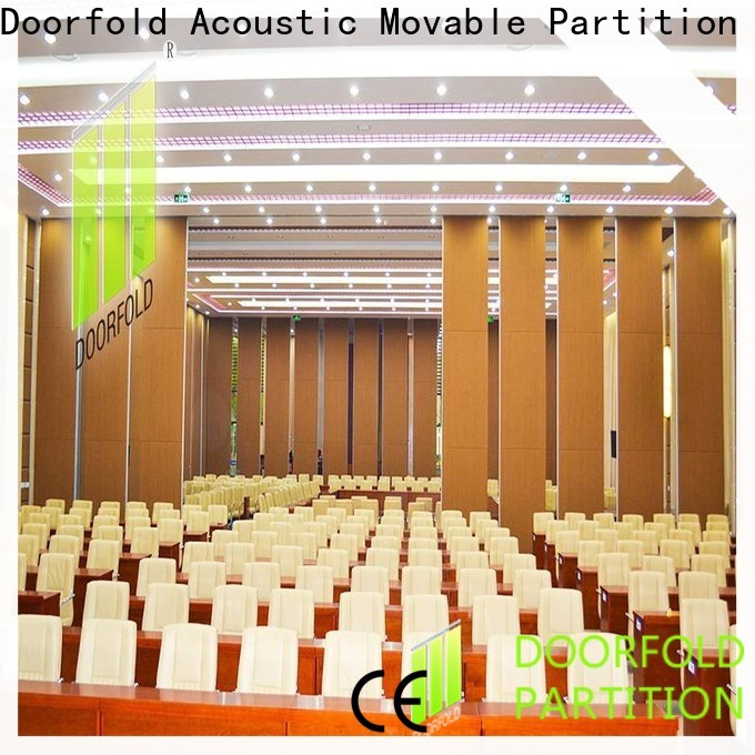 Doorfold operable wall systems multi-functional for meeting room