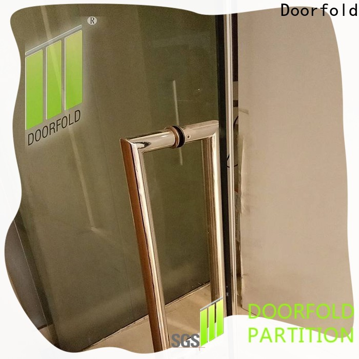 Doorfold glass office partitions for office