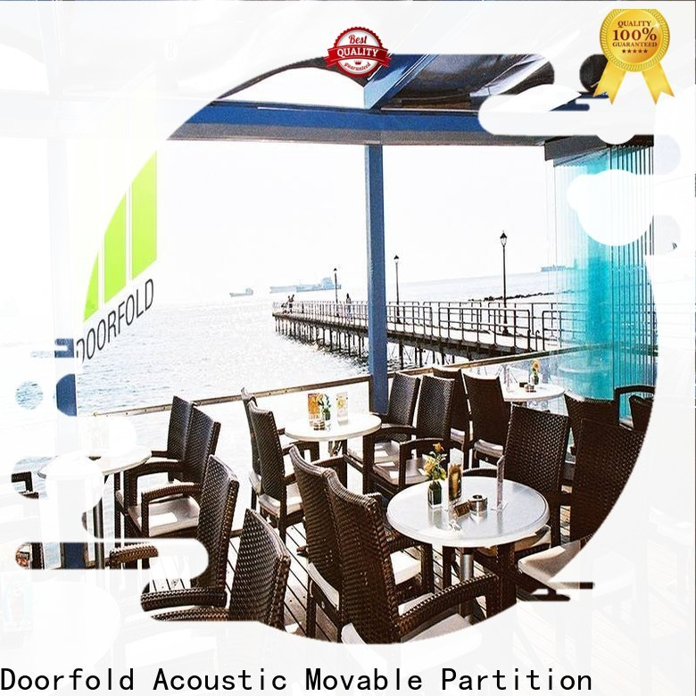 Doorfold commercial portable partition for meeting room
