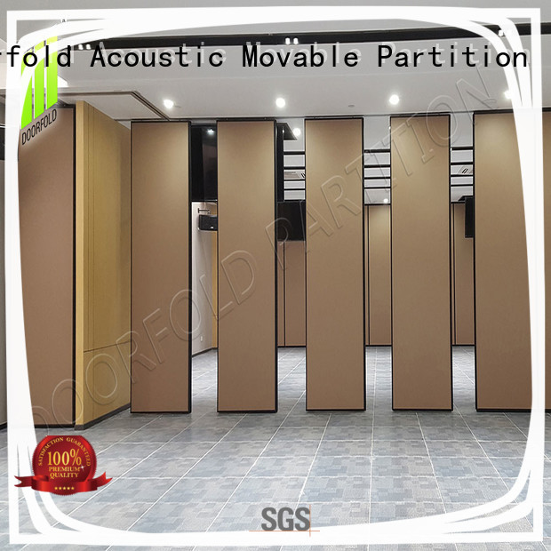 Doorfold operable sliding folding partition divider for meeting room