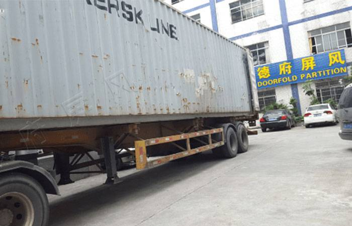 1*40Feet dry container loading to Vostochniy Port Russia