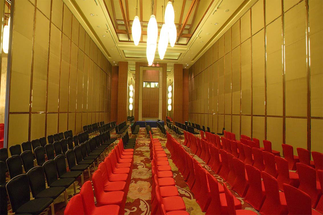 Doorfold movable partition Operable Folding Partition  Wall Divider for Soundproof Movie Theater Room image6