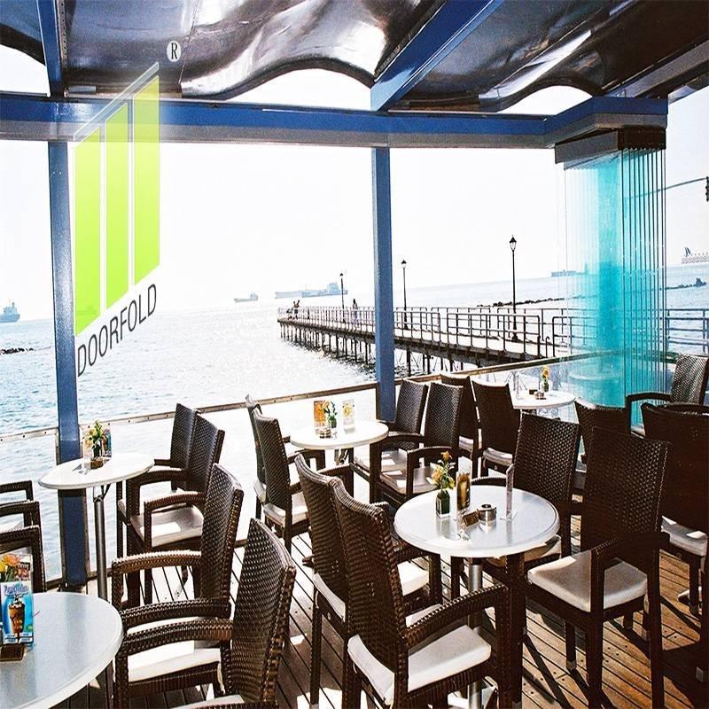 商业餐厅的无框可移动玻璃隔断