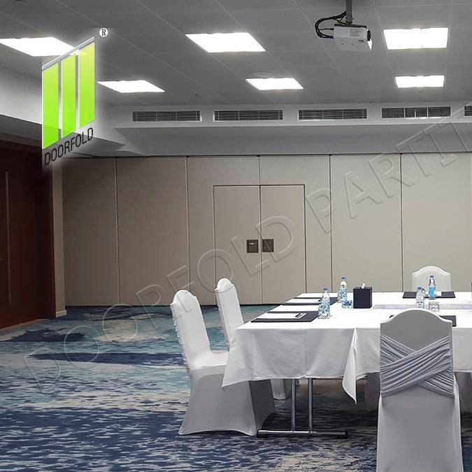 Retractable Acoustic Sliding Partition Divider for Conference Room