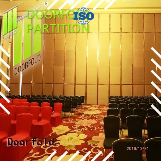 Doorfold acoustic movable partitions restaurant