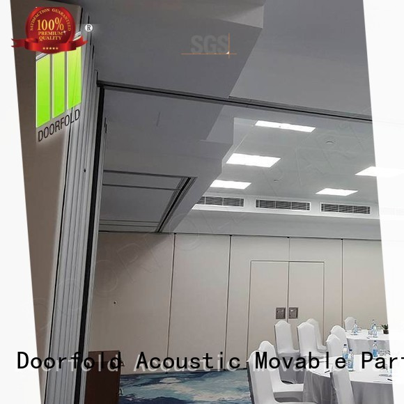 Doorfold retractable soundproof partition wall for expo