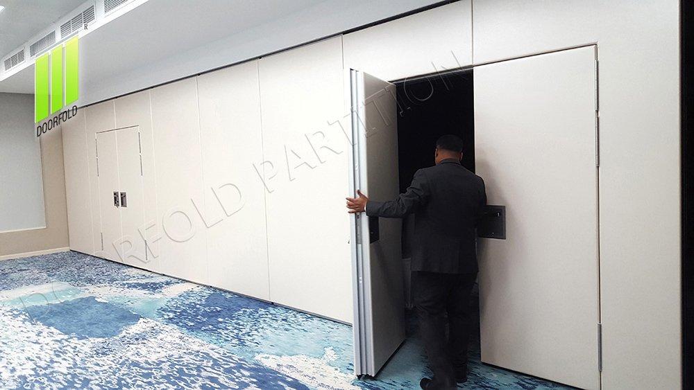 WYNDHAM GRAND MEETING ROOM