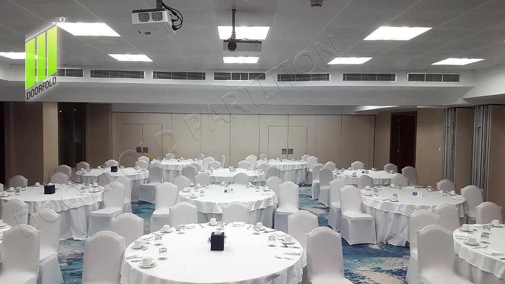 WYNDHAM GRAND MEETING ROOM